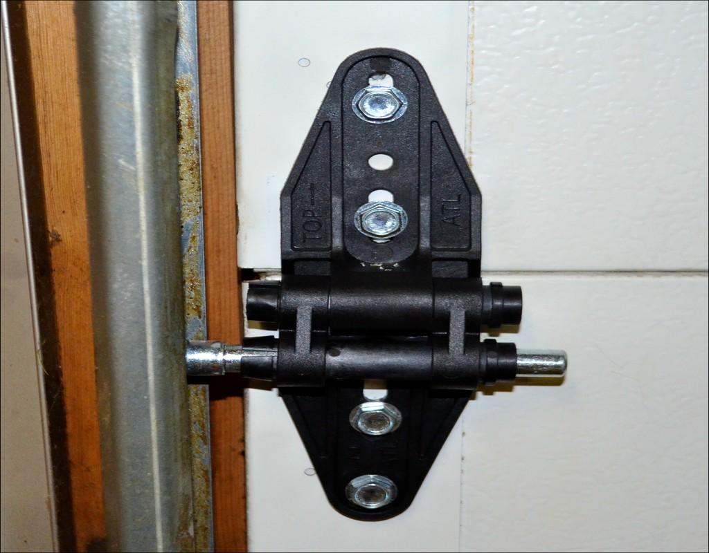 garage-door-hinge-types Garage Door Hinge Types