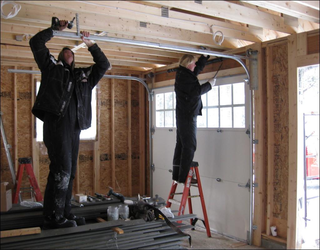 garage-door-installers-near-me Garage Door Installers Near Me