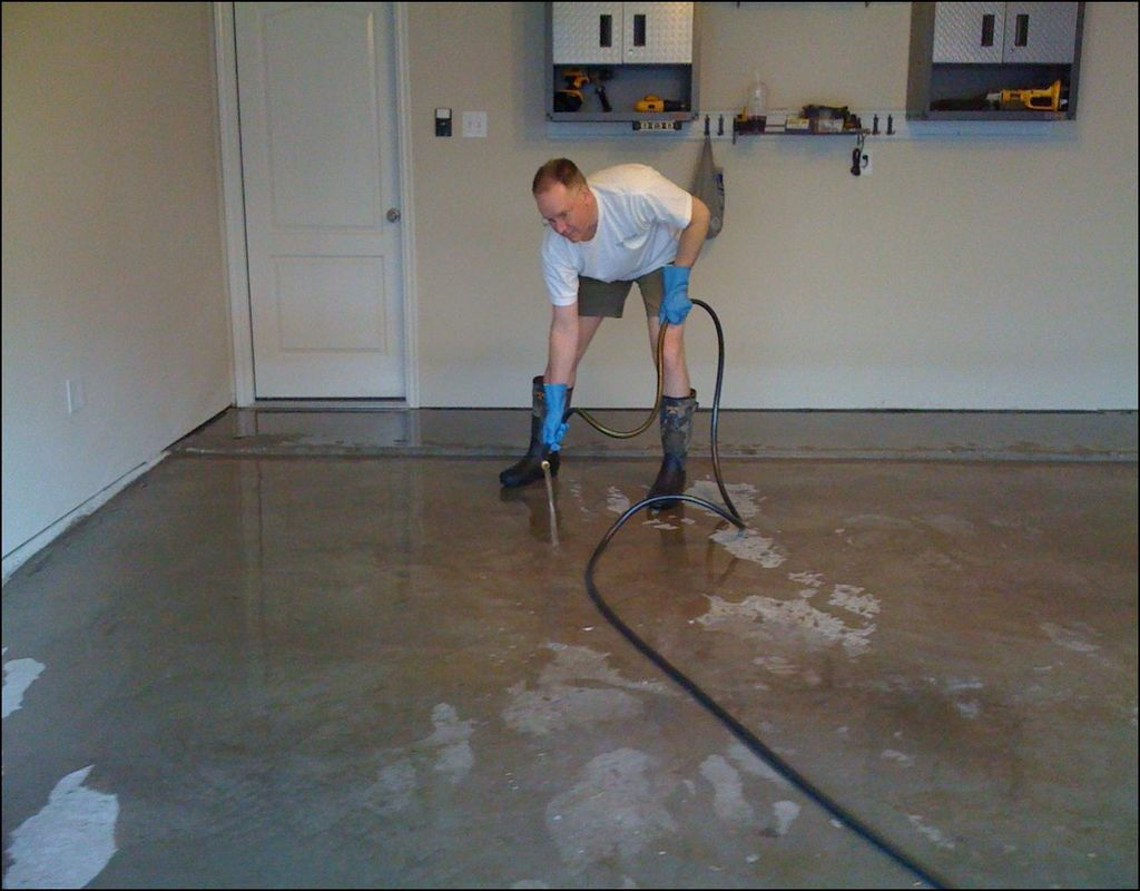 how to clean lfloor groutt
