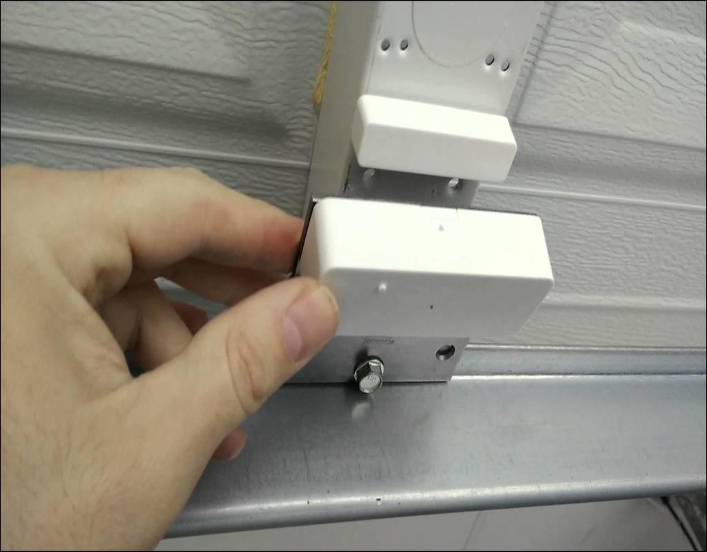 garage-door-open-indicator Garage Door Open Indicator