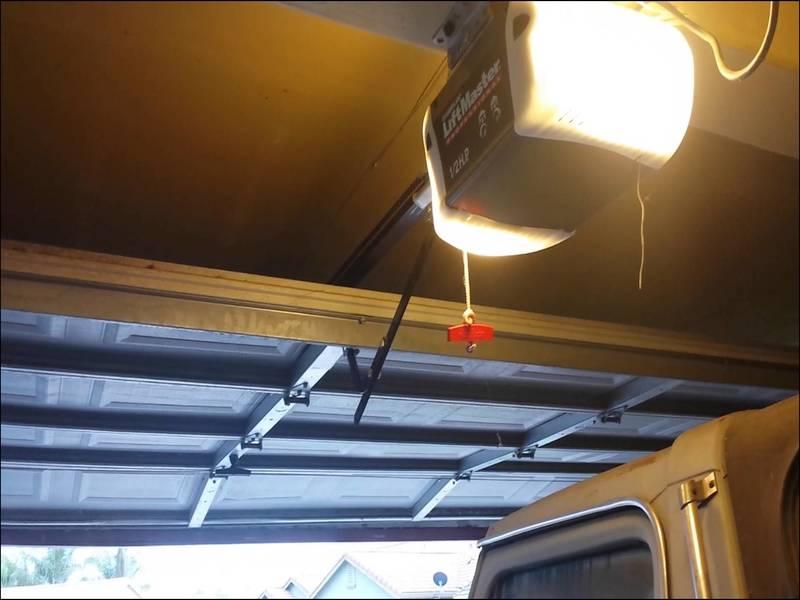 chamberlain-garage-door-opener-problems Chamberlain Garage Door Opener Problems